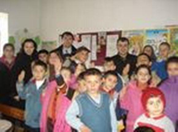 İstiklal  İlköğretim Okulu İzcileri Köylerde
