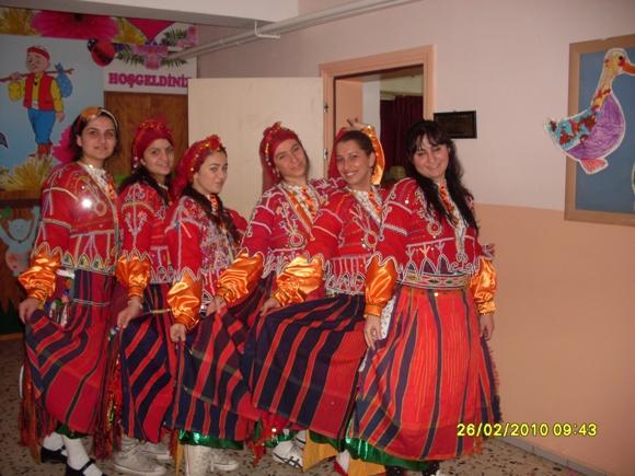 Ocaktaşı köyü gençlik kolları folklör ekibi