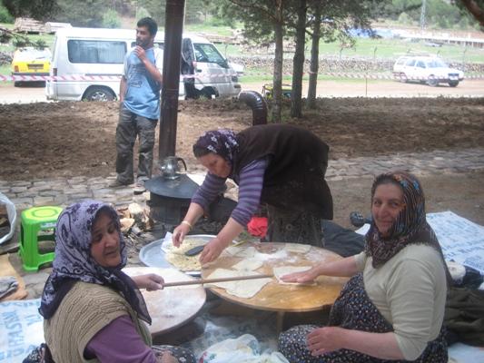FATİH MAHALLESİ BAHAR ŞENLİĞİ YAPILDI.. galerisi resim 6