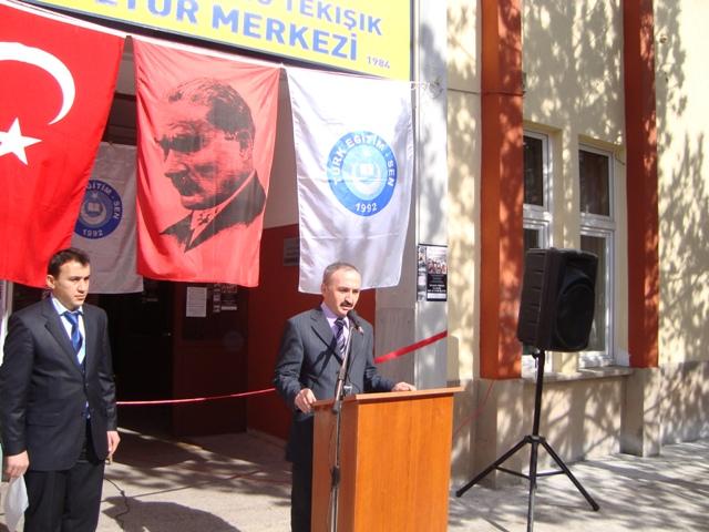Tarihte Türklere Yapılan Katliamları Unutmadık. Adlı Sergi galerisi resim 3