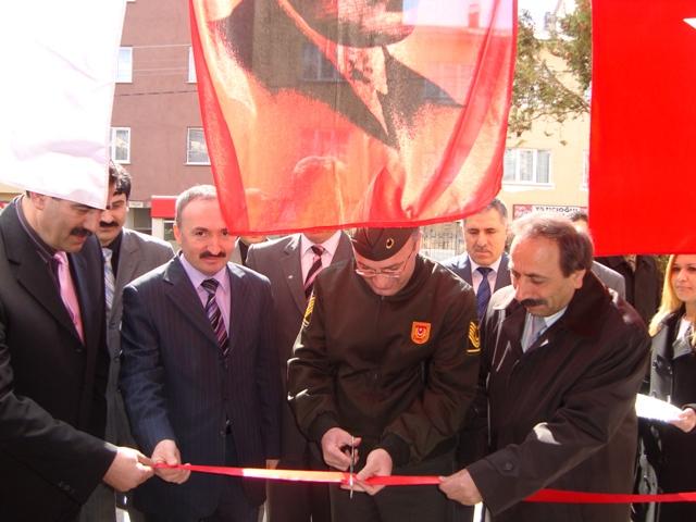 Tarihte Türklere Yapılan Katliamları Unutmadık. Adlı Sergi galerisi resim 4