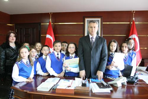 Öğrencilerden Makam Ziyareti