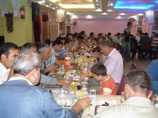 Sultanbeyli  şebinkarahisarlılar iftar yemeğinde buluştu.