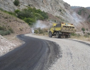 Yeniyol Köy Yolunda Asfalt Çalışmaları Tamamlandı