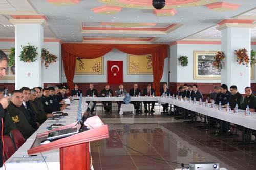 İl Emniyet Toplantısı Alucra'da Yapıldı