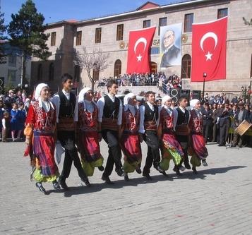 18. Halk Dansları Yarışması Yapılacak