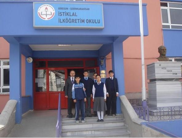 İstiklal İlköğretim Okulu Satranç  Turnuvasında il ikincisi oldu
