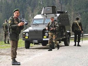 Asker Terörist Avında