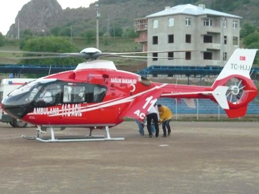 Kalp krizi geçiren kişi, ambulans helikopter ile sevk edildi