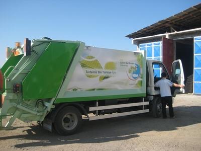 Belediye'ye Yeni Çöp Kamyonu