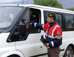 Suşehrin'de Öğrenci servislerine jandarma denetimi