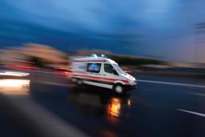 Suşehri'de Trafik Kazası: 3 Yaralı