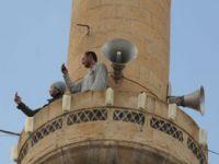 Bu köylülerin minarede işi ne?