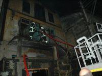 Giresun'da 3 Katlı Tarihi Bina Kül Oldu